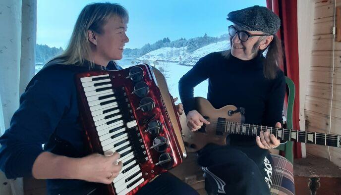 DELER LIDENSKAP: Leganger spiller en rekke instrumenter, og samarbeidet mellom henne og Gundersen har virkelig blomstret det siste året, forteller paret til Dagbladet. Foto: privat.