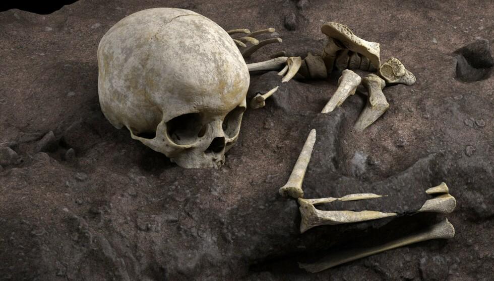 OPPSIKTSVEKKENDE FUNN: Arkeologer har funnet rester fra et lite barn som ble antakeligvis gravlagt for rundt 80 000 år siden. Foto: Jorge González / Elena Santos / AFP