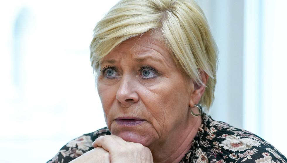 LEI SEG: Siv Jensen (Frp) brøt sammen med familien coronareglene om maks antall gjester. Foto: Lise Åserud / NTB