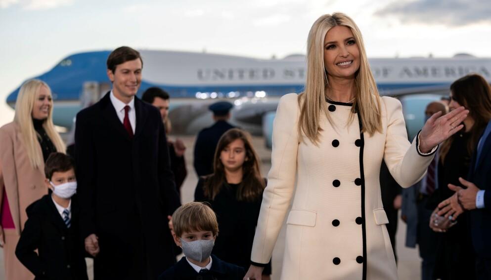 KOSTER FORTSATT SKATTEPENGER: Secret Service beskytter Donald Trumps fire barn fortsatt. Her er Ivanka Trump med ektemannen Jared Kushner og deres barn. Foto: Stefani Reynolds/Shutterstock/NTB