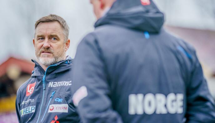 I HARDT VÆR: Sportssjef Clas Brede Bråthen. Foto: Stian Lysberg Solum / NTB