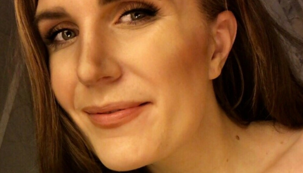 SMERTER: Mia Linstad (29) vet hva smerte er. - Tinnitusen min er helt ekstrem, forteller hun. Foto: Privat