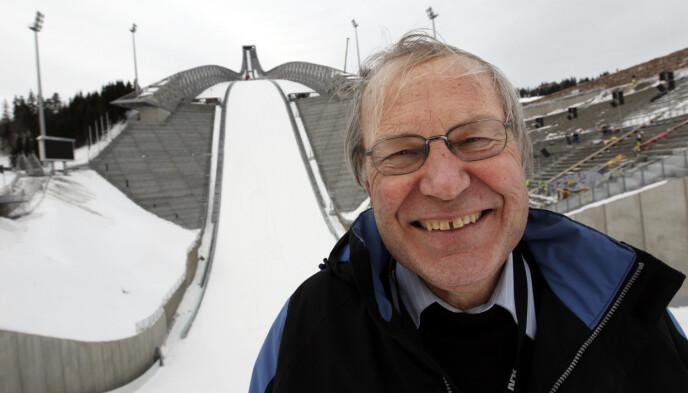EKSPERT: Arne Scheie kjenner alle hoppbakker i verdenscupen ut og inn. Her fra VM i Holmenkollen i 2011. Foto: Lise Åserud / NTB