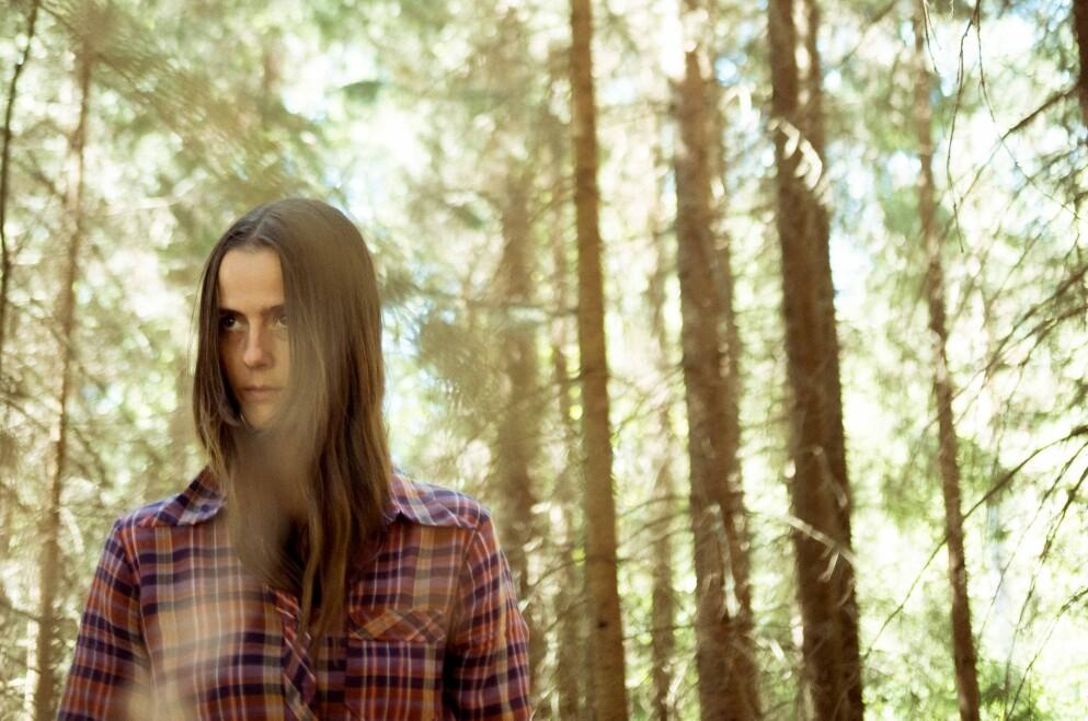 SJANGERMIKS: Anne Lise Frøkedal er er spennende og produktiv artist som gjerne blander sjangrer. Hennes tredje soloalbum, «Flora», lanseres i dag. Foto: Vidar Landa