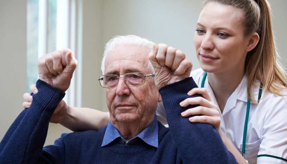 ALVORLIG: Hjerneslag kan få alvorlige konsekvenser, men med rask behandling og riktig rehabilitering kan mange bli tilnærmet friske. Foto: Shutterstock