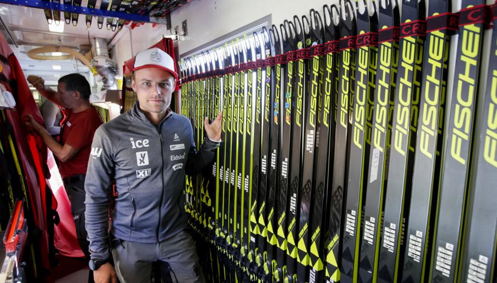 UAKTUELT: Skiskytternes smøresjef, Tobias Dahl Fenre, mener et fluorforbud neste vinter er uaktuelt. Foto: Vidar Ruud / NTB