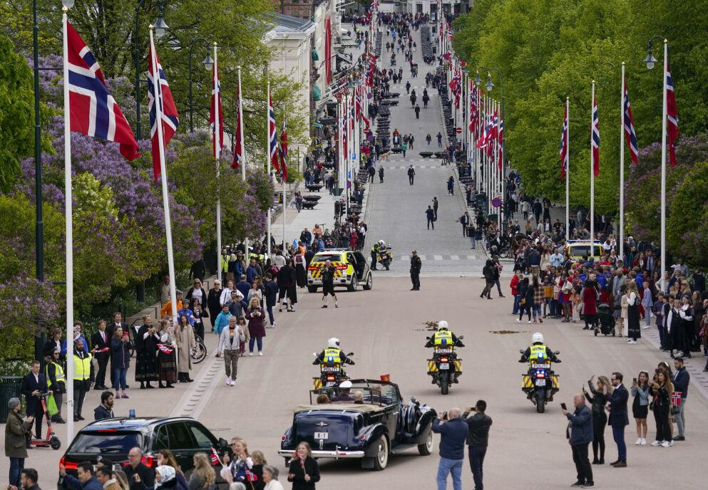 MAKS TI: Maks ti personer kan samles i private sammenkomster i Oslo selv om gjestene har blitt vaksinert. Foto: Lise Åserud / NTB