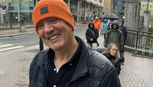 GODT HUMØR: Zarko Pavlovic (62) bedyrer at han ikke pleier å handle på polet på lørdager. Foto: Trine Høklie Jonassen / Dagbladet