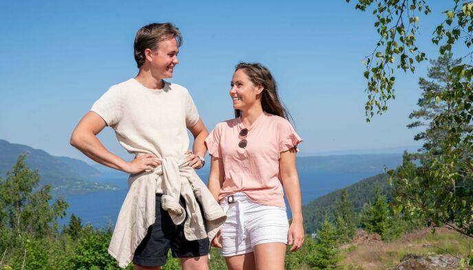 INGEN HJELP: Adrian og Christine trodde de skulle få en innføring før de startet med hyttebygginga. Foto: Espen Solli / TV 2