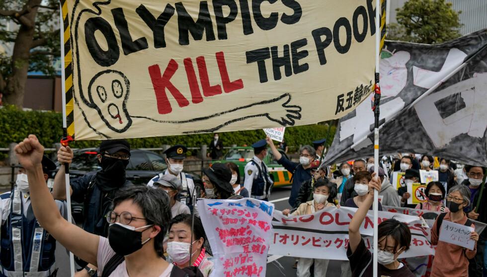 OL: Japanere demonstrerer mot OL i Tokyo. Men vil IOC høre? Foto: NTB