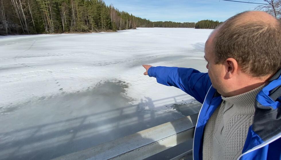 HER SKJEDDE DET: Det var her Kaj Berger mener fiskesnøret festet seg. Foto: Øistein Norum Monsen / Dagbladet