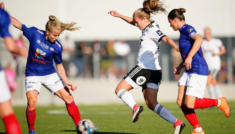 TOPPLAG: Vålerenga vant serien på målforskjell foran Rosenborg i fjor. Begge lag forventes å kjempe i toppen i år også. Foto: NTB