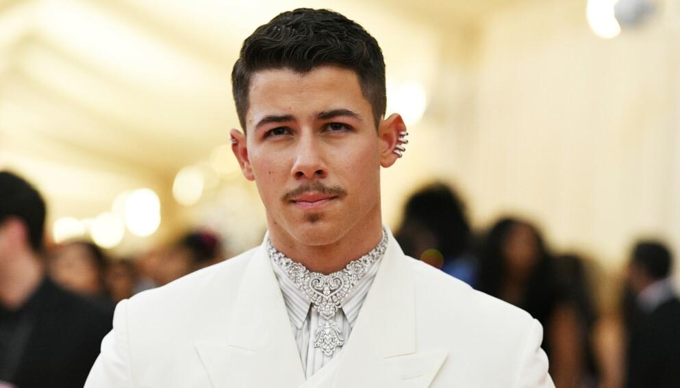 SKADET: Nick Jonas skal ha blitt skadet på sett. Her fra Met-gallaen i 2019. Foto: Clint Spaulding/Rex/NTB