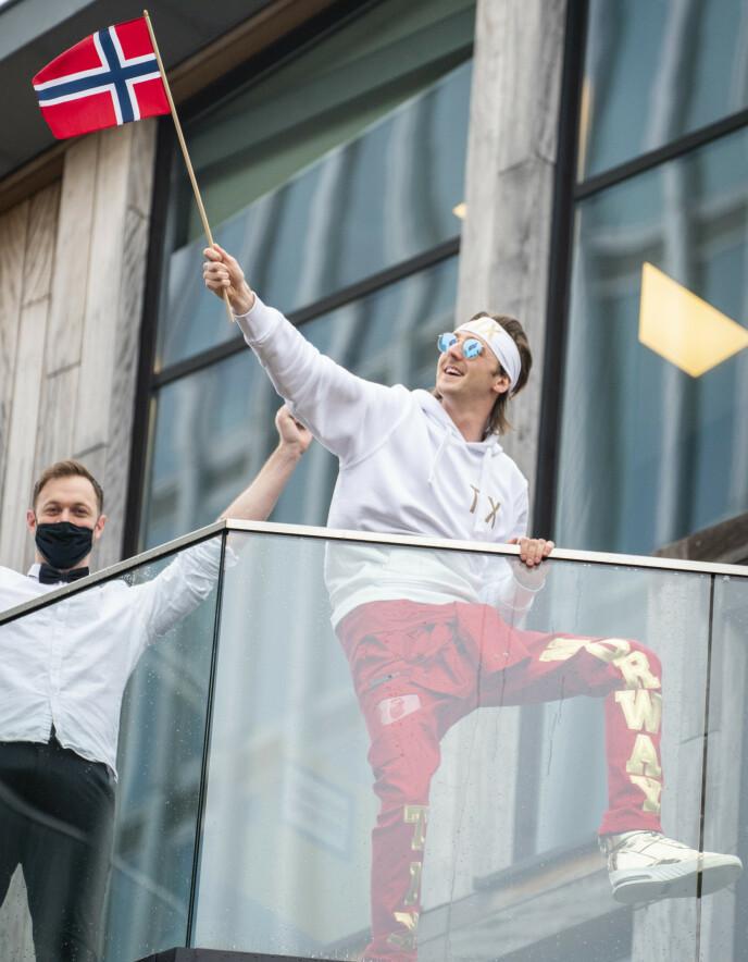 - FETT: Andreas «Tix» Haukeland feirer nasjonaldagen i Rotterdam. Foto: Heiko Junge / NTB
