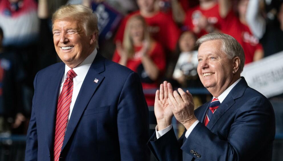 INNSER NEDERLAGET: Lindsey Graham har lenge vært en av Donald Trumps nærmeste støttespillere. Her under et folkemøte i Sør-Carolina i fjor. Foto: AFP / NTB