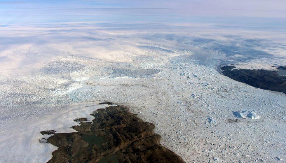 GRØNLANDS STØRSTE: Jakobshavn er navnet på Grønlands største isbre. Foto: AP