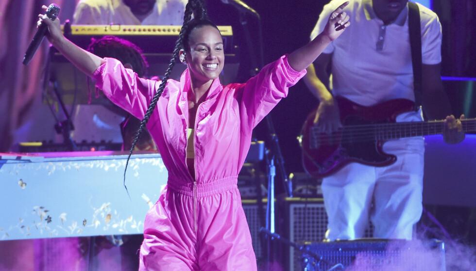 VENDER TILBAKE: Alicia Keys måtte utsette verdensturneen og årets planlagte norgesbesøk. Nå vender hun tilbake til Oslo neste sommer. Foto NTB / AP