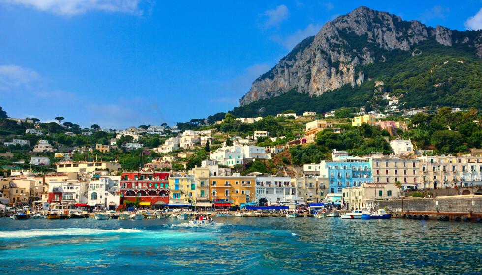 ÅPNER: EU-landene åpner grensene for vaksinerte. Her fra Capri i Italia. Foto: NTB