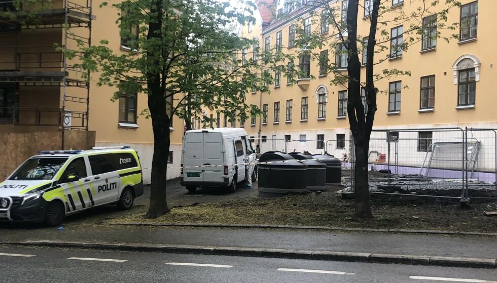 DØD: Mannen som ble knivstukket på Tøyen i Oslo forrige helg, døde i dag av skadene han ble påført. Politiet har siktet en annen man for drap. Foto: Stian Drake / Dagbladet