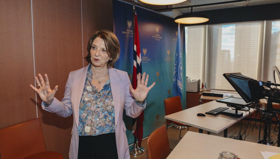 DIGITALE MØTER: Her sitter Mona Juul når hun møter i Sikkerhetsrådet på vegne av Norge under pandemien. Foto: Johannes Worsøe Berg / Dagbladet