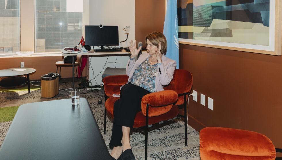 INGEN KOMMENTAR: Norges FN-ambassadør, Mona Juul, vil ikke kommentere ektemannens forbindelser til den avdøde sexforbryteren og milliardæren Jeffrey Epstein. Foto: Johannes Worsøe Berg / Dagbladet