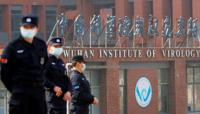 INVESTIGACIÓN: Dentro del Instituto de Virología de Wuhan se encuentra el laboratorio donde puede haberse originado el coronavirus SARS-CoV-2.  La foto fue tomada cuando la OMS visitó el instituto en febrero.  Foto: Reuters / NTB.
