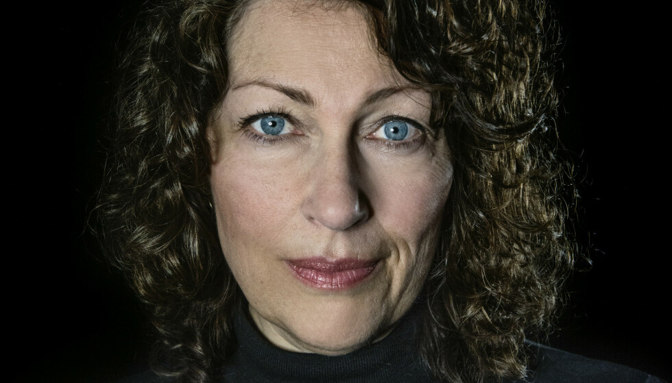 ELISABETH ÅSBRINK: Svensk forfatter og journalist. Hun forteller sin families historie i romanform. Foto: ASCHEHOUG