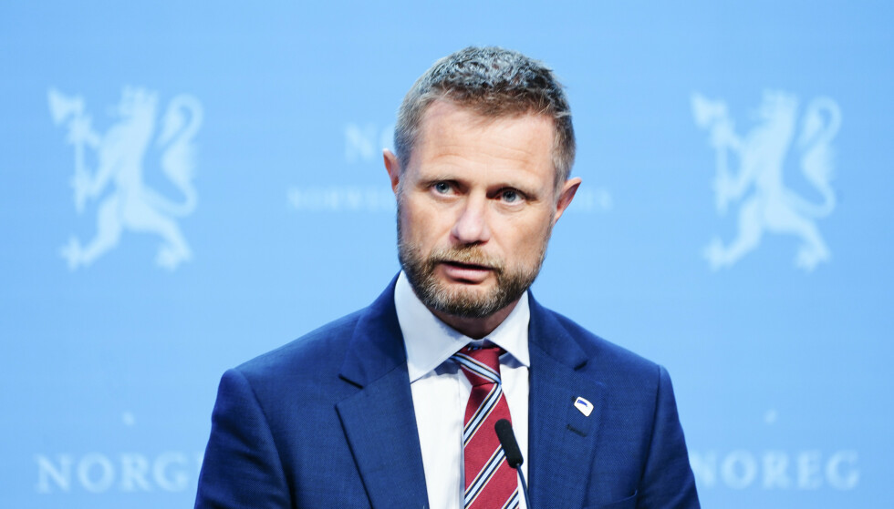 FORTJENER ET STIKK: Helseminister Bent Høie er blant dem som har gjort en prisværdig innsats under pandemien - nå fortjener han et stikk. Foto: Terje Pedersen / NTB