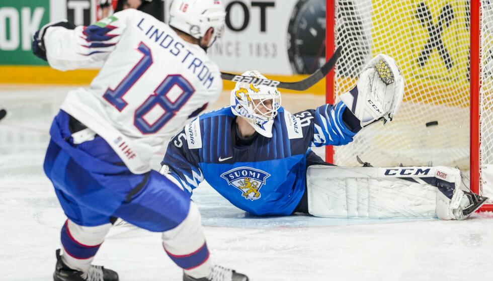 SCORET: Tobias Lindström. Foto: Fredrik Hagen, Norges Ishockeyforbund / NTB