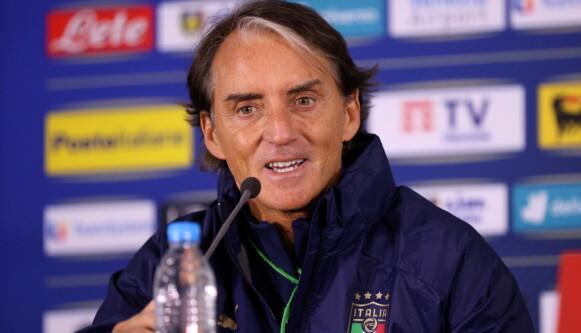 ITALIENSK ELEGANSE: Roberto Mancini Foto: Stoyan Nenov / Reuters / NTB