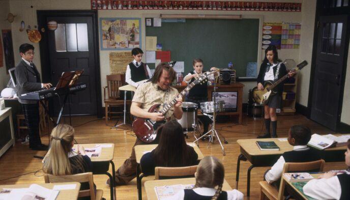 KAPRET ROLLE: Kevin Clarke kapret filmrollen bare tolv år gammel. Her bakerst i midten på trommer. Foto: Shutterstock/NTB