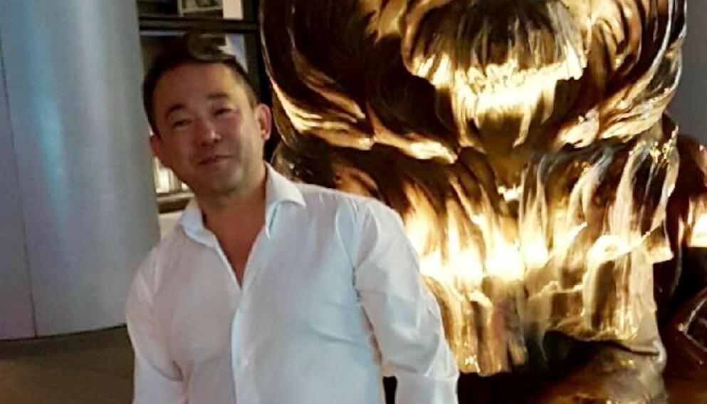 PREGET: Stephen Fu har hatt tøffe dager siden han ble innlagt i februar etter å ha fått corona. Foto: Privat
