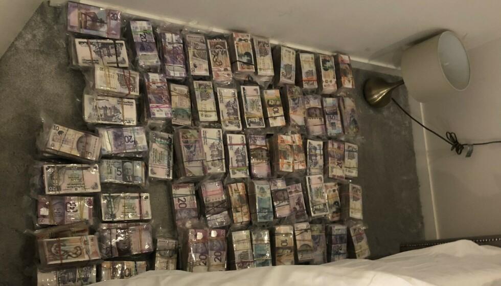FEM MILLIONER PUND: Politiet beslagla i alt mer enn fem millioner pund i den større aksjonen. Foto: Metropolitan Police