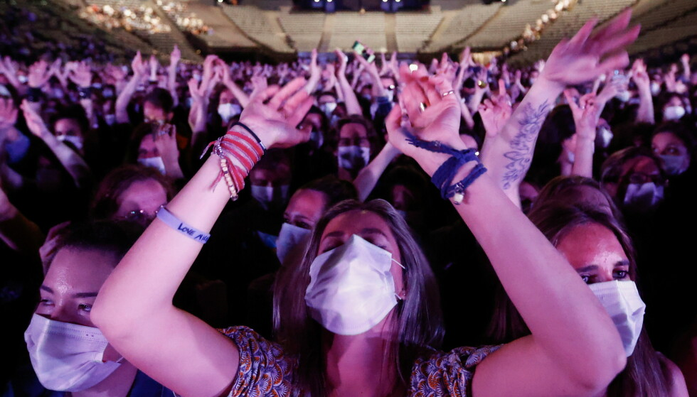 GOD STEMNING: Konserten ble avholdt på Bercy arena og resultatene av eksperimentet vil bli kjent neste måned. Foto: Reuters / NTB