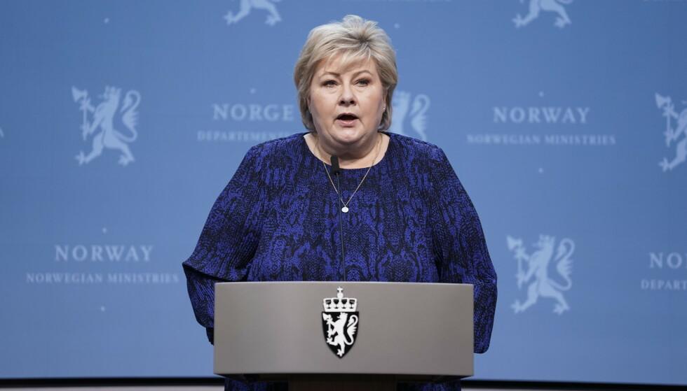 LETTER PÅ INNREISEREGLER: Statsminister Erna Solberg holder pressekonferanse om coronasituasjonen. Foto: Stian Lysberg Solum / NTB