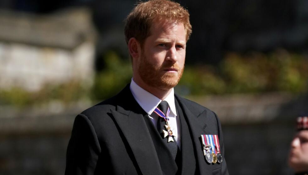 I SORG: Prins Harry i prins Philips begravelse i april. Foto: Reuters/NTB