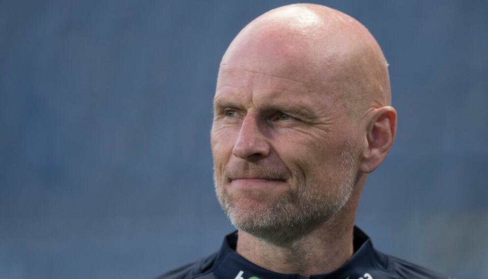 SEIER - SÅ VIDT: Ståle Solbakken kunne koste på seg et lite smil til slutt. Foto: Geir Olsen / NTB