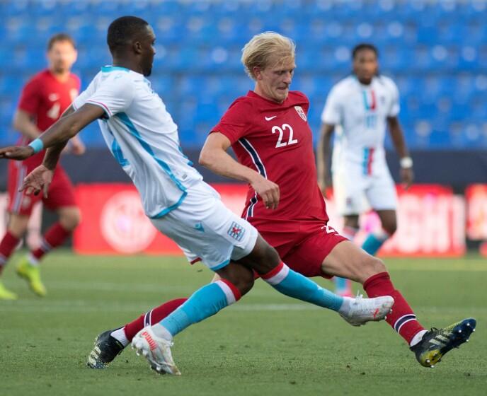 IKKE PÅSKRUDD: Morten Thorsby klarte ikke å følge opp den gode kampen mot Montenegro i mars. Foto: Geir Olsen / NTB