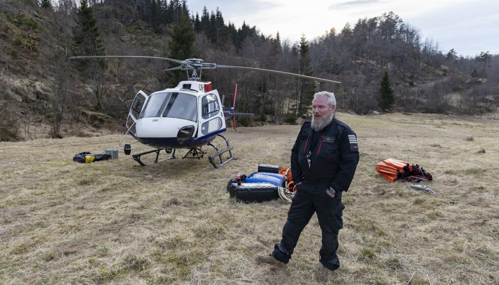 SKOGBRANNPILOT: John Arne Hellesø har jobbet som skogbrannpilot i 16 år. Foto: Tor Erik Schrøder / NTB