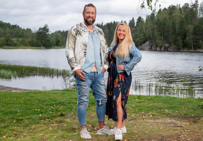 - TRIST: Jeanett Fjeldstad forteller at hun fikk en drapstrussel etter «Sommerhytta»-deltakelsen i fjor, og synes det er trist at Anna og Jone får så mye hets og kritikk. Foto: Espen Solli / TV 2
