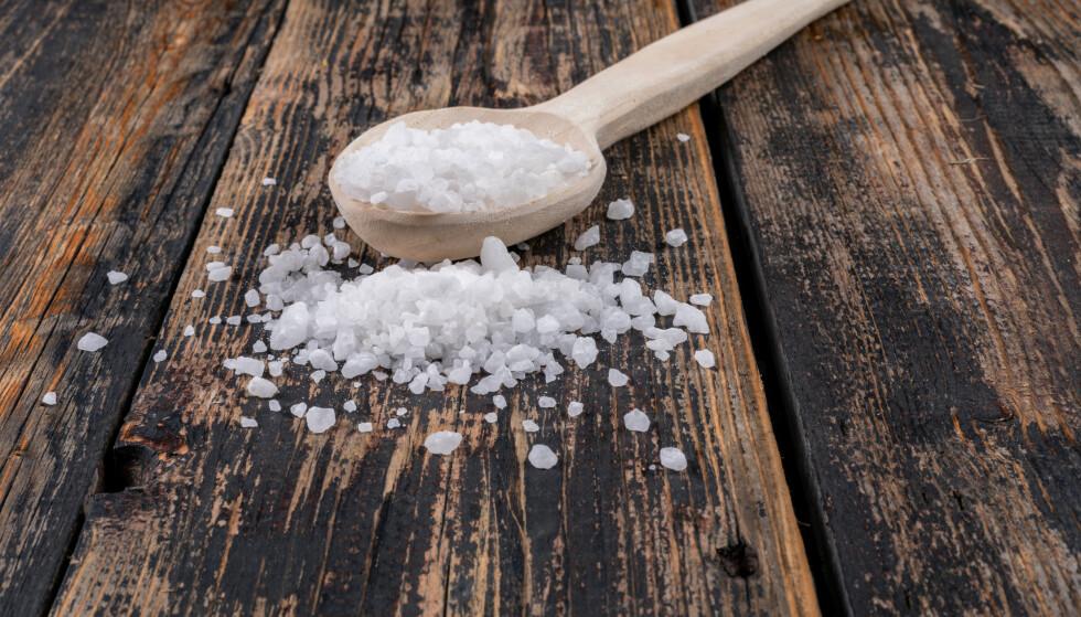 Det er fort gjort å få i seg mer salt enn det som er anbefalt. Foto: Illustrasjonsfoto: NTB / Shutterstock
