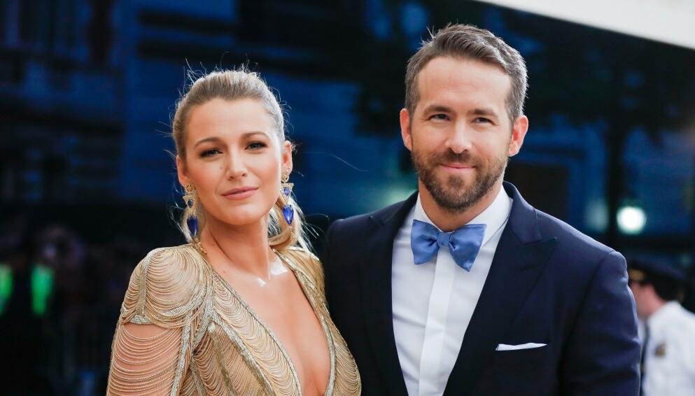 ANGST: I et nytt intervju forteller Hollywood-stjernen Ryan Reynolds at han ønsker å være en god rollemodell for barna sine. Her er han avbildet med kona Blake Lively og to av døtrene James (til venstre) og Inez (til høyre) i 2016. Foto: Carl Timpone/bfa/rex