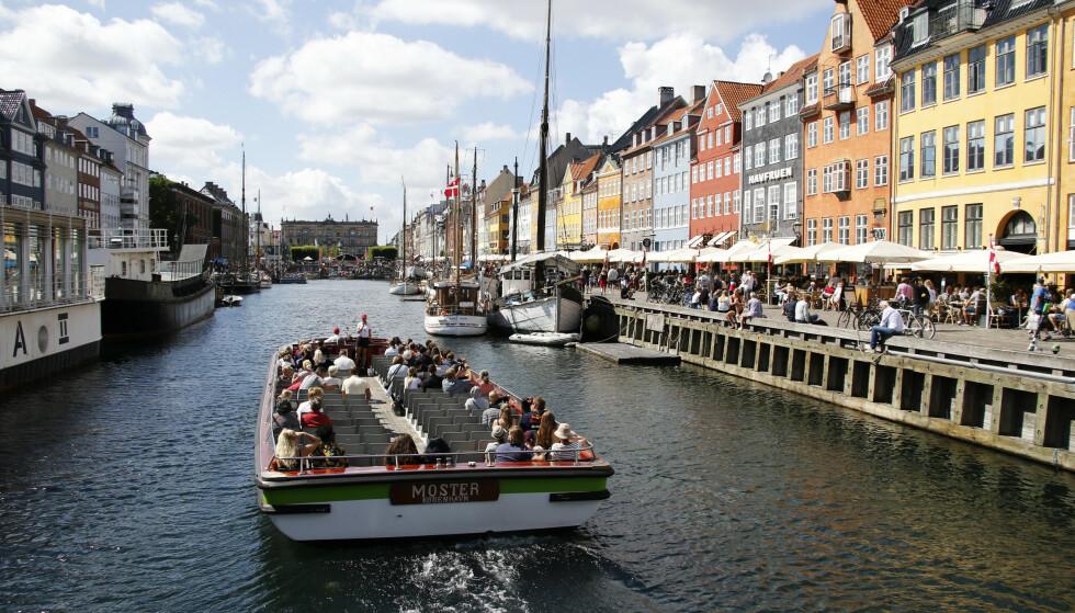STRENGT: Coronarestriksjonene er heftig diskutert i Danmark. Her fra København. Foto: Erik Johansen / NTB