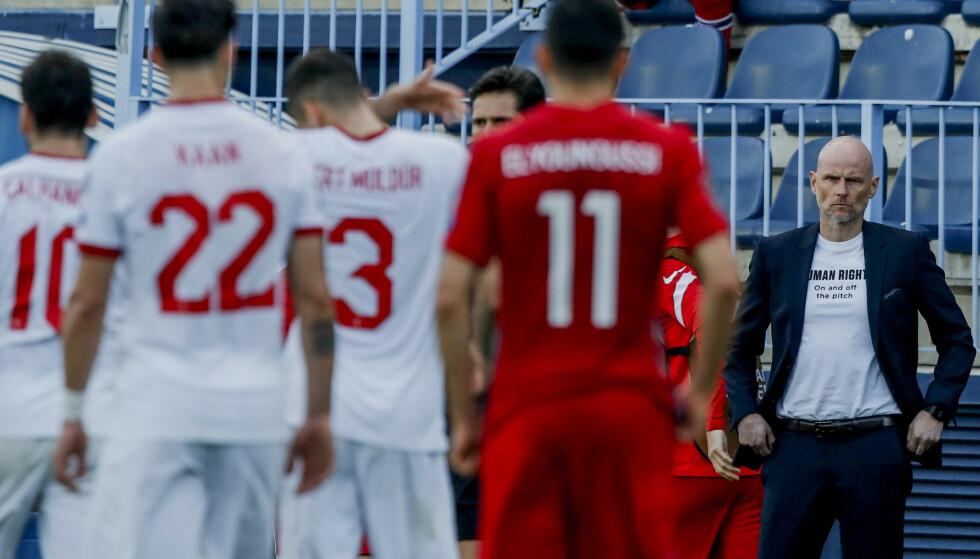 TYRKISK NEDERLAG: Ståle Solbakken og det norske landslaget måtte se seg slått av et effektivt tyrkisk lag i VM-kvalifiseringen. FOTO: AP Photo/Fermin Rodriguez