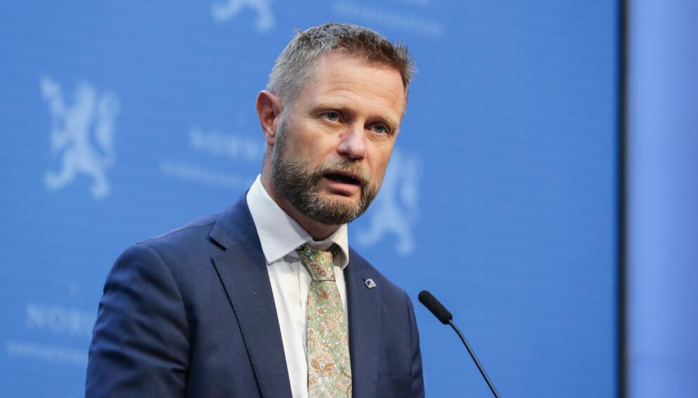 AVVISER KRITIKK: Helse- og omsorgsminister Bent Høie (H) slår hardt tilbake mot kritikk fra førstekandidat Ulrikke Torgersen i MDG Rogaland. Foto: Berit Roald / NTB
