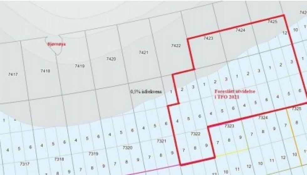 ISKANTEN: Kartet viser utlysningene i såkalte TFO 2021 og grensen for det forskere mener bør regnes som iskantsonen (grått felt). Foto: Barentswatch/ Olje og energidepartementet.
