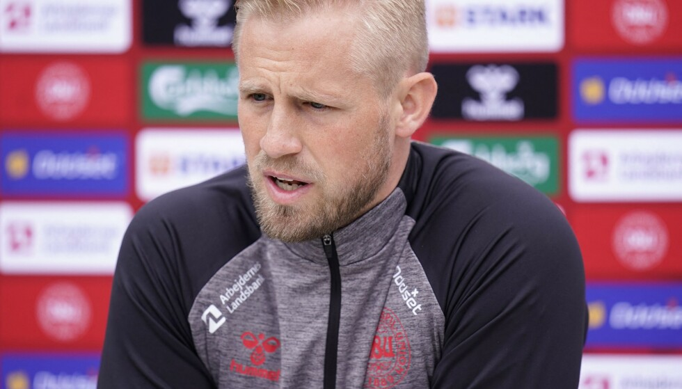 PREGET: Danmarks keeper Kasper Schmeichel snakket mandag ut om de dramatiske minuttene som utspilte jeg på fotballbanen lørdag kveld. Foto: Ritzau/AFP/NTB