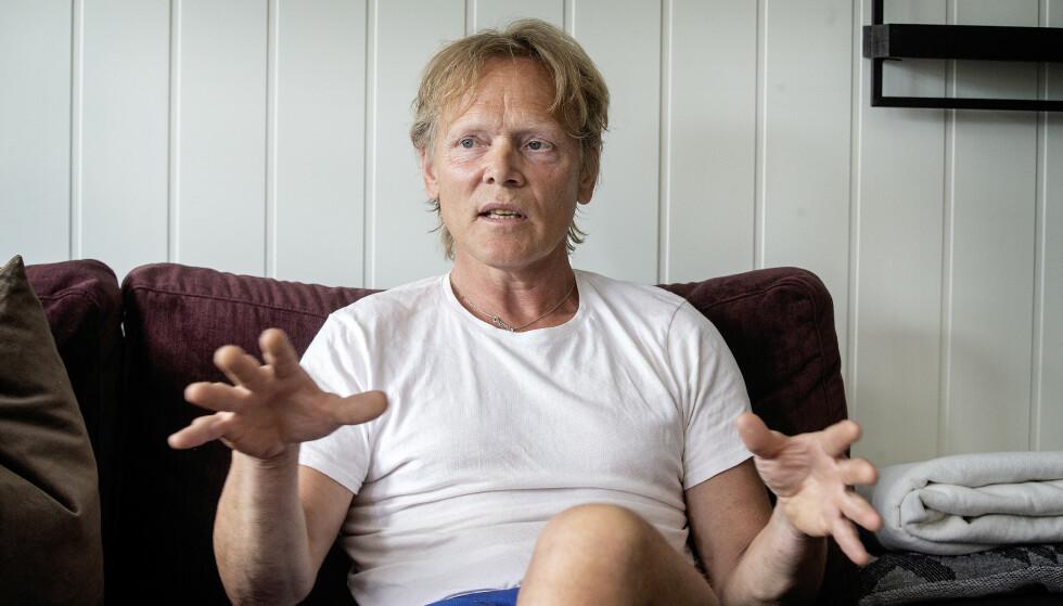 BITTER: Ronald Johansen er bitter. - Det er vondt å tenke på, alle visste, men ingen gjorde noe for å hjelpe oss. Foto: Henning Lillegård / Dagbladet