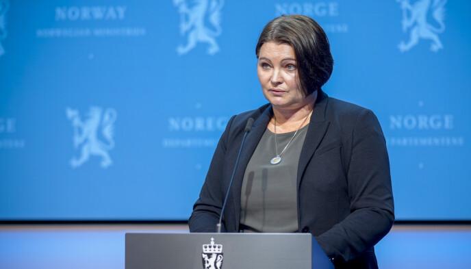 ASSISTERENDE DIREKTØR: Gun Peggy Knudsen ved FHI. Foto: Fredrik Hagen / NTB