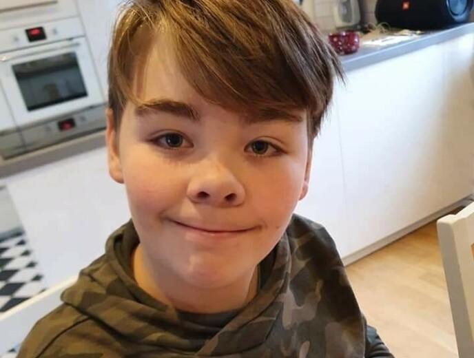 LANGTIDSKONSEKVENSER: Nathanael (12) har diagnosen autisme og ADD. Nå er mor Yvonne bekymret for hvilke langtidskonsekvenser det kan ha for sønnen at han ikke kan møte besteforeldrene i Norge. Foto: Privat